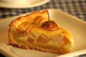 Рецепт обалденного яблочного пирога. Весь секрет в заливке