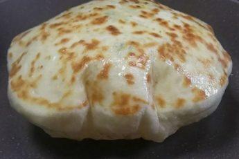 Лепешки как подушки с картошкой и сыром внутри 1